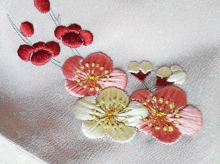 Petit sac en Soie de Kimono Broderie Japonaise Motif Fleurs de prunier : Marque-pages par kaneko-chan