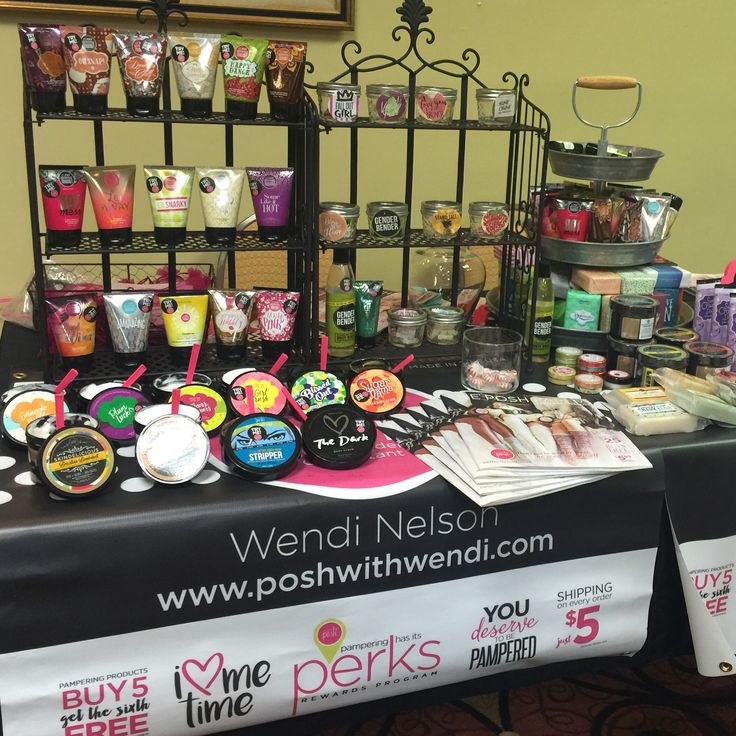 perfectly posh vendor table display