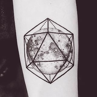 But maybe you prefer more of a geometric view of our heavenly bodies. | 18 Beautiful Space Tattoos That Will Enchant You