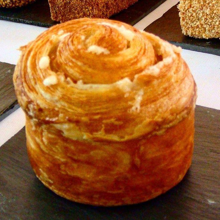 Brioche feuilletée au sucre et bergamote #pâtisserie #philippeconticini #conticini #pâtisserie #desserts #gateaux #cakes #viennoiserie #brioche #feuilletage #sucre