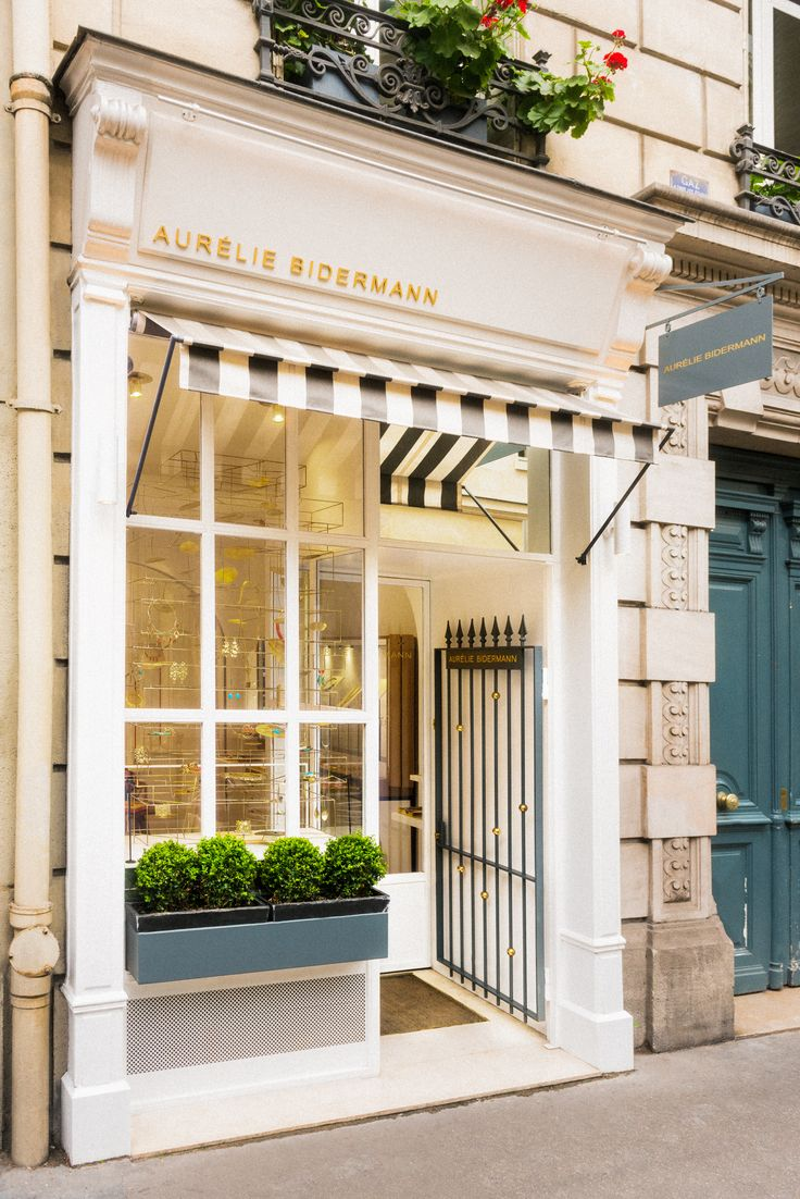 House design with shop - Aur Lie Bidermann Parisian Store 55 Bis Rue Des Saints P Res