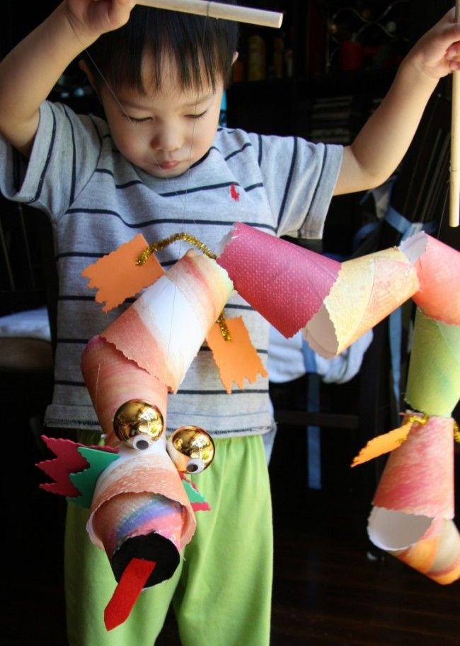 Fun DIY Chinese Dragon marionettes for the Chinese New Year celebrations.