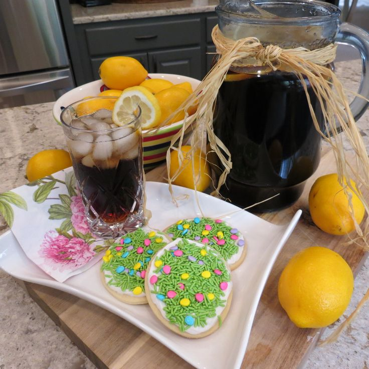 Homemade root beer with lemon and sugar cookies. An interesting yet delicious combination!