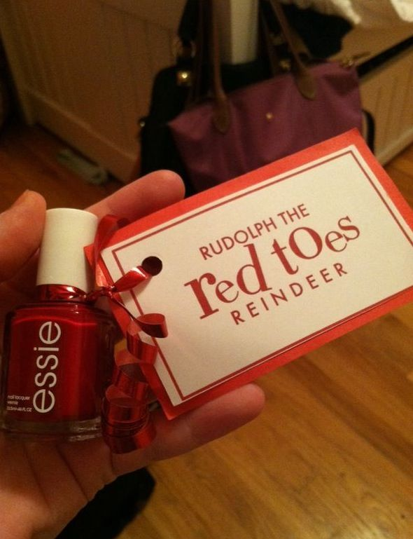 So cute and irresistable! Who wouldn't want to have red reindeer toes?????