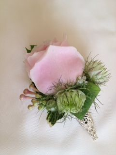 Sweet avalanche buttonhole with gorgeous holder xxx
