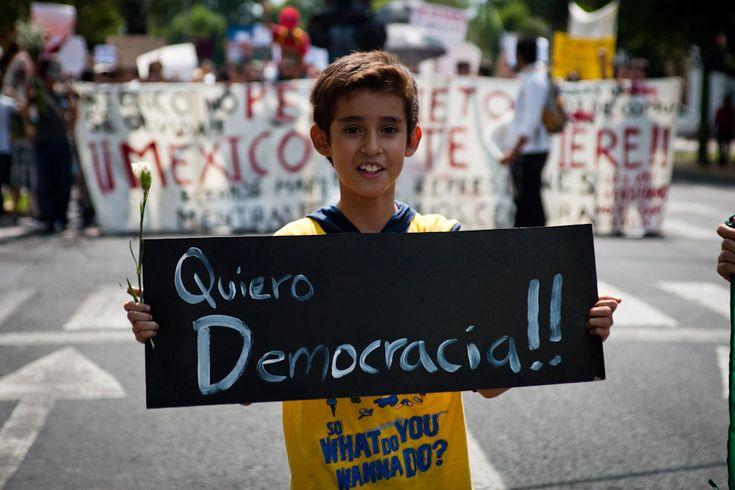 Las familias de los normalistas desaparecidos boicotean las elecciones parciales en México. No habrá elecciones, nos faltan 43 #43Normalistas   #Ayotzinapa   #Guerrero   #Elecciones