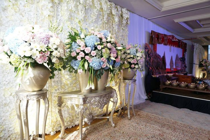 "32 Likes, 4 Comments - Event & Wedding Decor Jakarta (@sentrabunga) on Instagram: ""From Engagement and Ruwatan @arafinas & @rovito.hoetomo  Organized by @mamiehardo & @mitahardo…"""