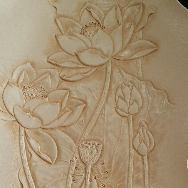 #leathercarving #leathercraft #leather #carving #craft #craftwork #handmade #handcraft #exercise #photo #practice #diy #decoration #design #nature #art #artist #leatherwork #leathercarving