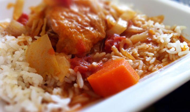 Mafe: Senegalese groenteschotel met kip. Heerlijk met of zonder rijst!