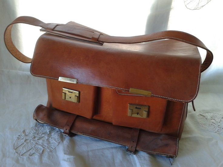 SALE-10% OFF! Vintage Leather Bag, French, duffle, messenger, weekend, holdall, camera bag, Travel Tote, excellent condition c. 1950's-60s by RPArtandVintage on Etsy https://www.etsy.com/listing/202040136/sale-10-off-vintage-leather-bag-french