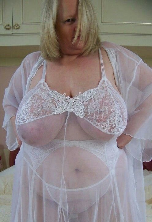 very hot milfs with curves