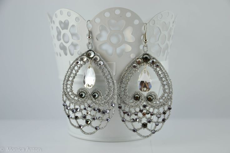 Cercei Raluca argintiu inchis cu cristale black diamond