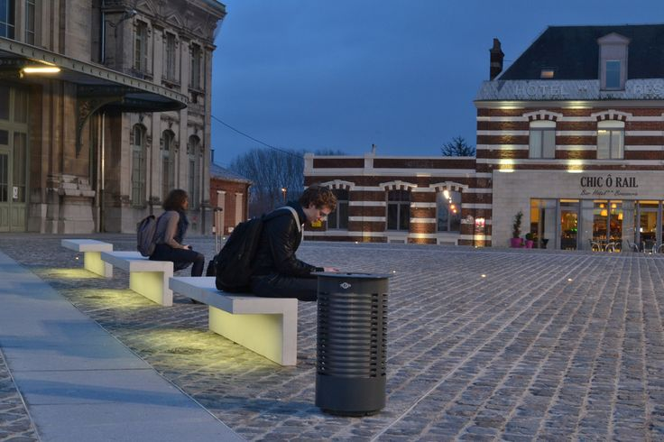 Led Line Concrete Bench With Integral Led Strip Lighting Urbastyle Esi External Works