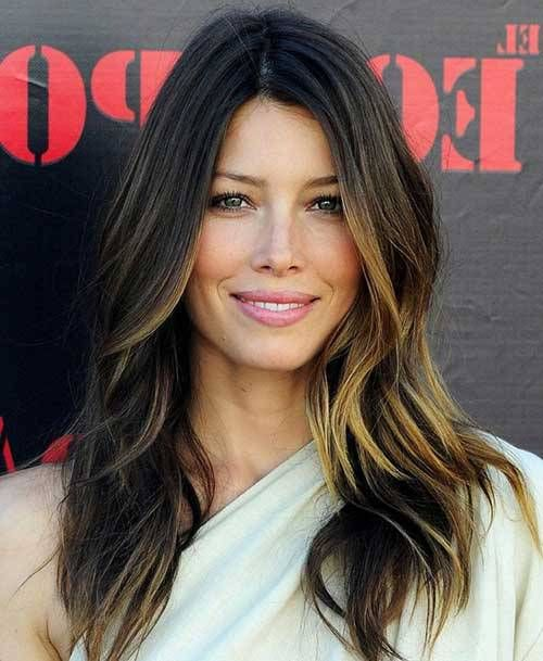 Best Haircut For A Round Face Round Face Hairstyles Long Hair Styles Haircuts For Long Hair With Layers