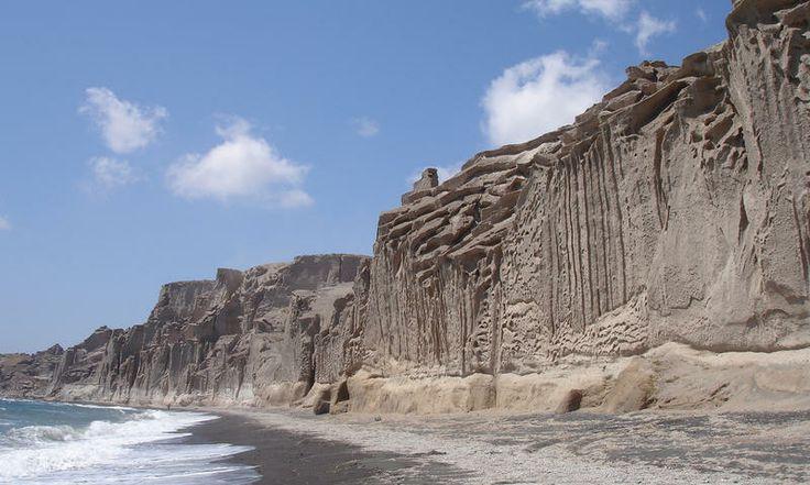 Vlychada Beach. www.secretearth.com/attractions/64-vlychada-beach
