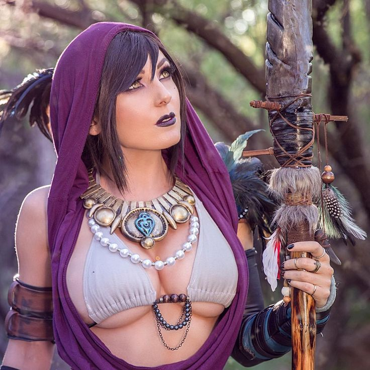 """cosplayheaven69: """" Cosplayer: Jessica Nigri. Country: United States. Cosplay: Morrigan from Dragon Age. Photo by: Fake Nerd Boy. @jessicanigrihd """""""