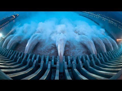 Navios em situações criticas enfrentando Tempestade em Alto Mar _ Top 10 - YouTube