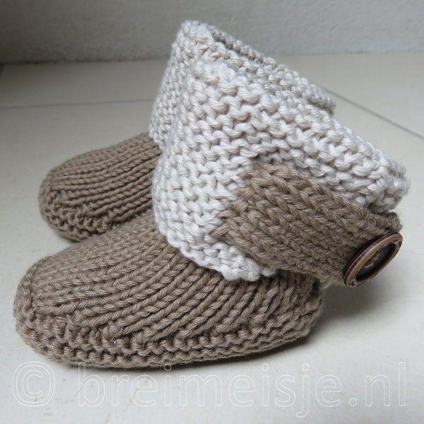 Dit patroon om baby UGGs te breien is geschikt voor een baby van 0-6 maanden. Lief ❤ en stoer! Eenvoudig breipatroon met foto's en tips.