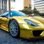 Porsche 918 Spyder : Un modèle en or chromé repéré en Arabie Saoudite