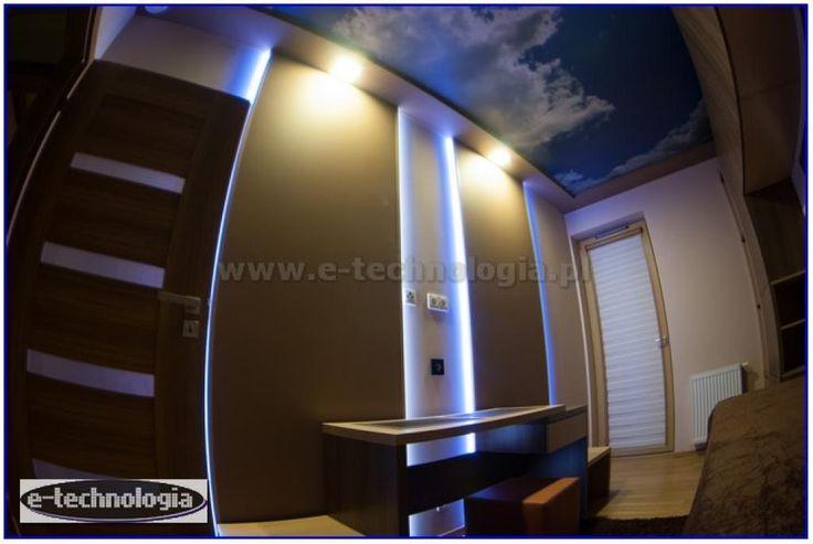 Sufity napinane z nadrukiem chmurek w eleganckim pokoju
