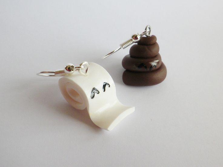 """boucle d oreille fimo rigolo: """"le gros caca et son papier toilette souriant"""" depareillee cadeau noel ! : Boucles d'oreille par fimo-relie"""