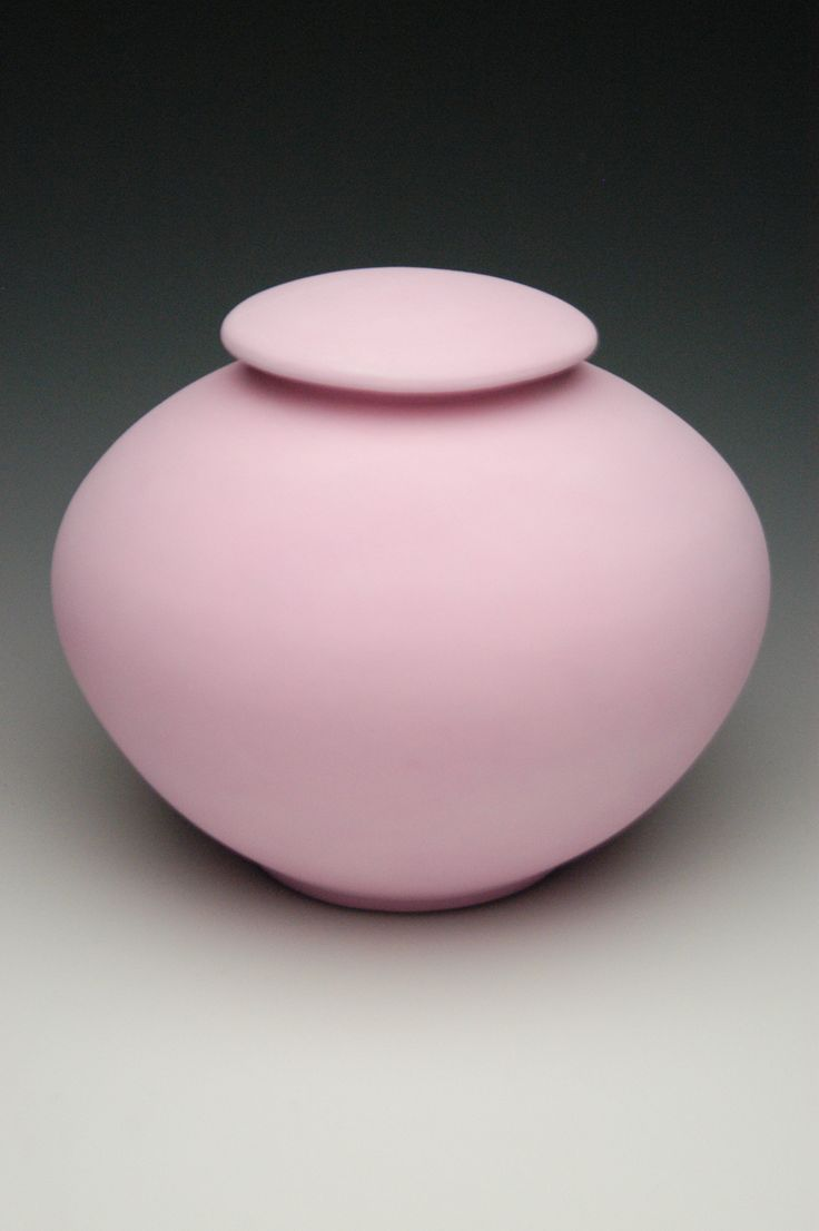 hand thrown ceramic porcelain cremation urns, funeral urns or funerary urns