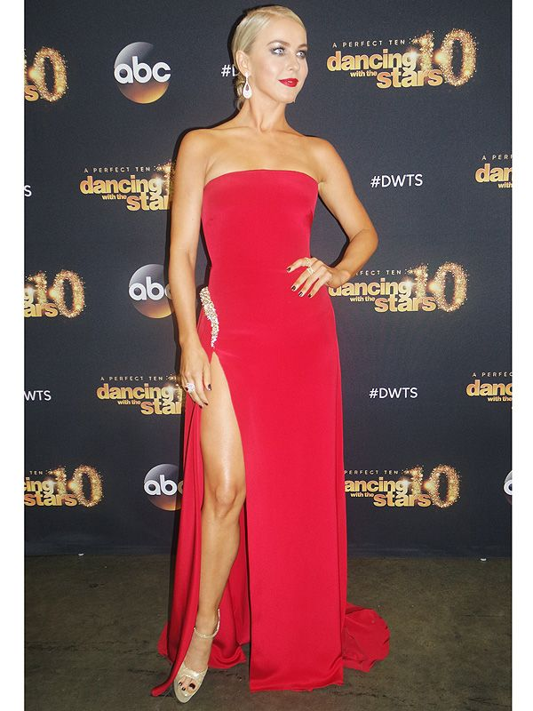 Julianne Hough's <em>DWTS</em> Photo Diary: Week 10 Went from the Judge's Table to the Dance Floor http://stylenews.peoplestylewatch.com/2015/05/12/julianne-hough-dances-again-on-dwts-photo-diary/