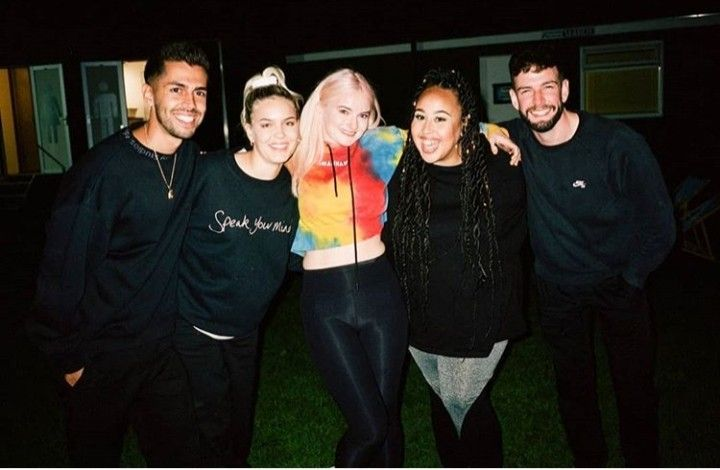Anne Marie And Clean Bandit Zombie Disney Anne Clean Bandit