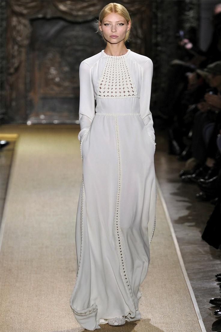 Reminds me mom's dresses: Fashion, Spring Couture, 2012 Couture, Style, Valentino Spring, Dress, Valentino Couture, Spring 2012, Haute Couture