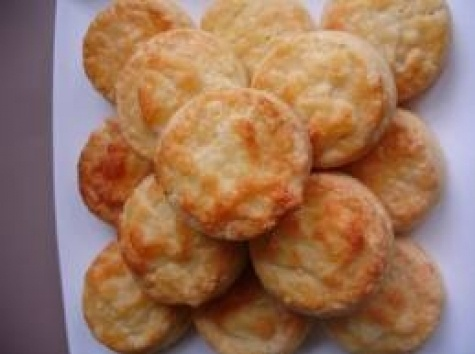 Recipes - Sides - Cheese Biscuits - Kraft First Taste Canada