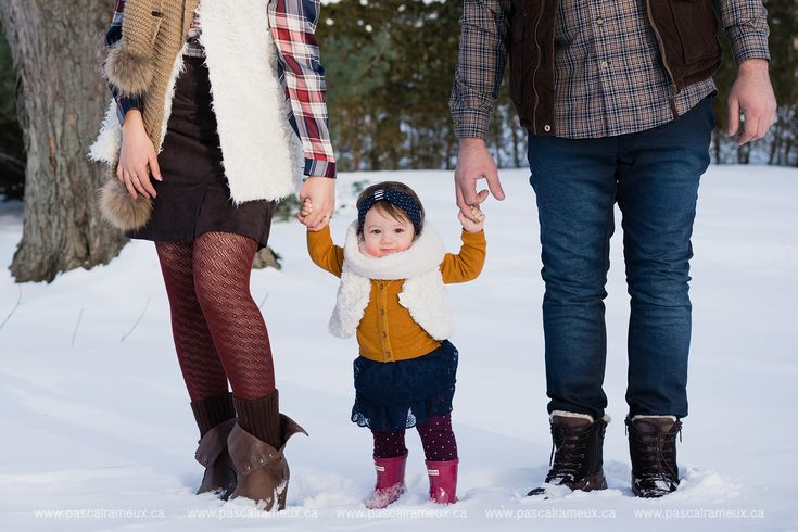 Photos famille en hiver, sous la neige Snowy winter family photography www.pascalrameux.ca