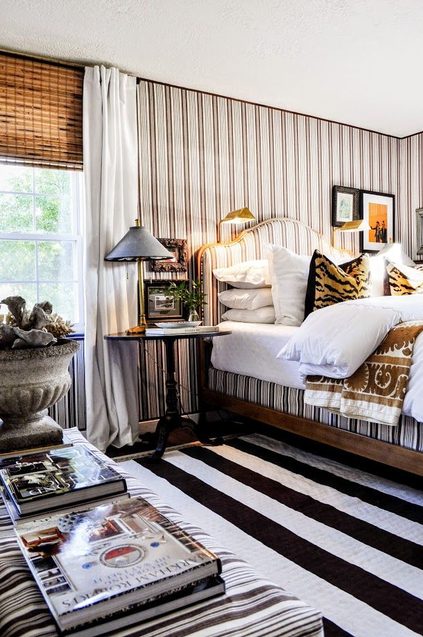 Early last year I wrote a story about Color Outside The Lines blogger and interior designer Artie Vanderpool's newly renovated apartment. ...