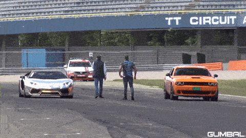 """General Lee"" Dodge SRT Hellcat Challenges Lambo Aventador"