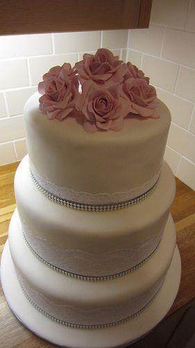 Lace, pearls & pink rose wedding cake