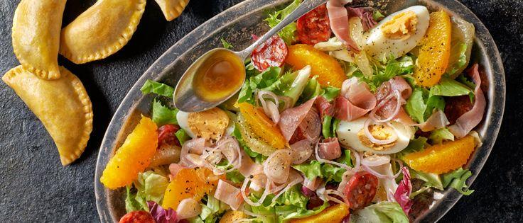 Mięsno - serowe empanadas z warzywami. Kuchnia Lidla - Lidl Polska. #lidl #solandmar #Pascal #empanadas