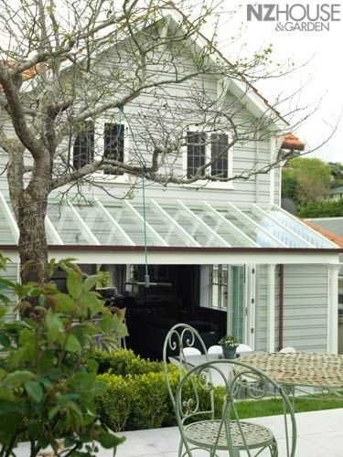 NZ House & Garden Image Gallery-Andrew and Samantha Murray's inner-city Wellington home