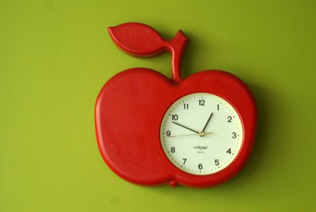 apple clock.