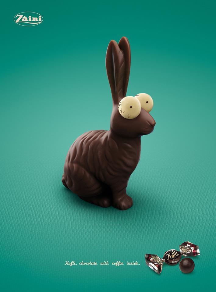 Cartaz anuncia chocolate com café, especial para a páscoa.