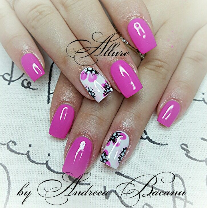 Unghii pink flower