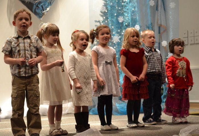 This fun new preschool ong: Christmas Bells is sung to the tune of Jingle Bells. #kidmin #sundayschool