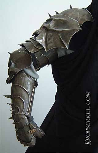 Kropserkel: Goth Armour and Jewelry Design Kropserkel