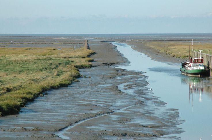 Noordpolderzijl at low tide. Groningen, The Netherlands. Photo by Ben de Graaf Bierbrauwer.