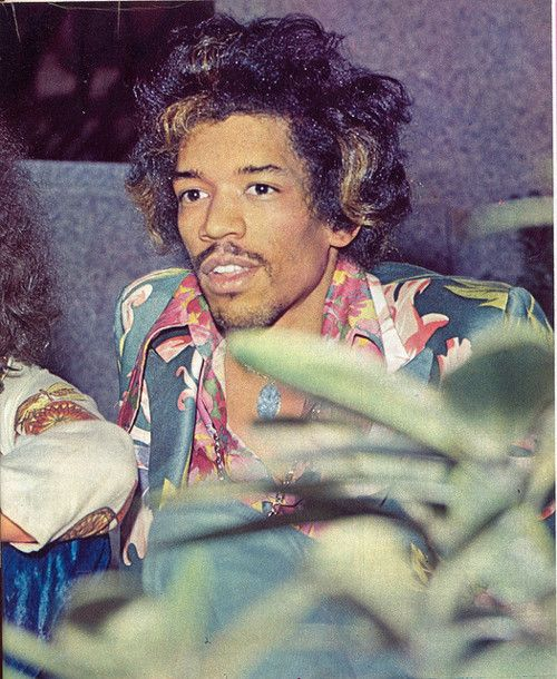 ♡♥Jimi Hendrix 25 on May 23rd,1968 relaxes with Redding in Milan,Italy at the Windsor hotel♥♡