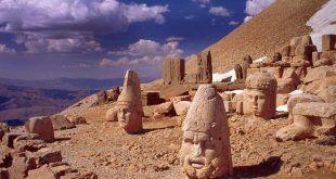 Nemrut Dağı, Adıyaman Turkey: YakinOtelBul.com