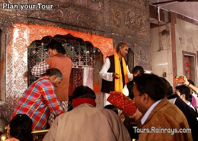 Tourist Attraction India: Khajrana Ganesh temple Indore | tours in india