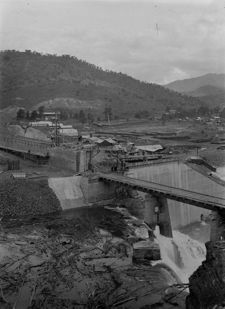 construction of original eildon dam wall old photos on construction of walls id=50481