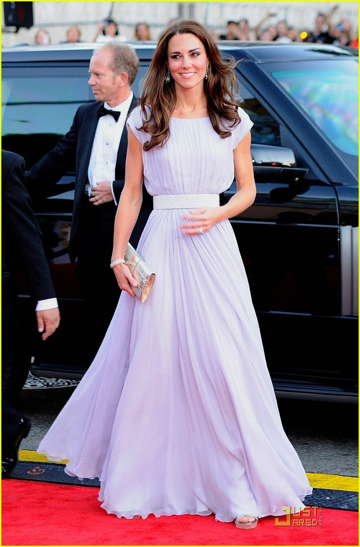 kate middleton in alexander mcqueen - I'm in love with her style.