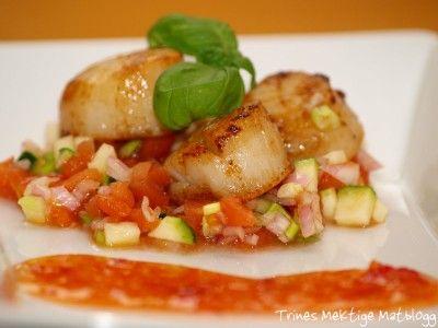 Kamskjell med tomatsalsa og sweet chilisauce | TRINEs MATblogg