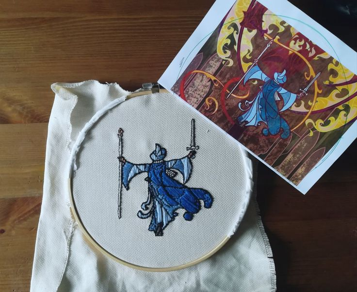 Gandalf bordado a mano/Hand Embroidery basado en la ilustración del autor breath-art de Devianart: https://breath-art.deviantart.com/art/You-cannot-pass-405256408 Embroidery is based on breath-art's illustration.