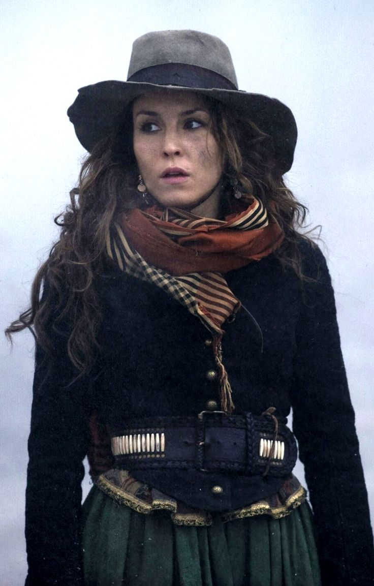 Noomi Rapace as Madam Simza Heron in 'Sherlock Holmes ...